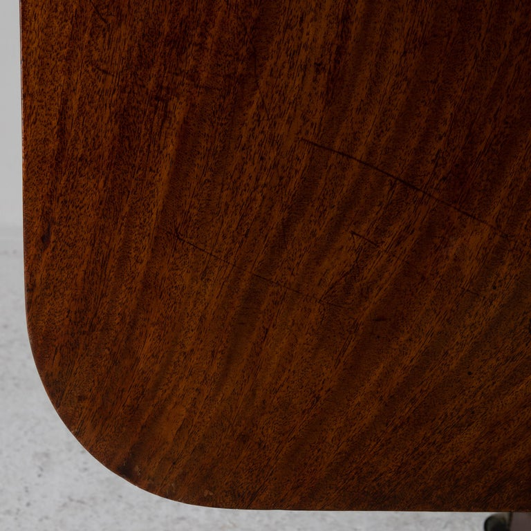 Table Tilt-Top English Mahogany, 18th Century For Sale 2