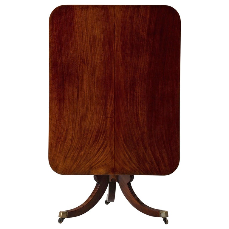 Table Tilt-Top English Mahogany, 18th Century For Sale