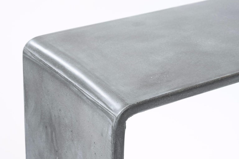 Molded Tadao Alto Concrete Contemporary Console, 100% Handcrafted in Italy For Sale
