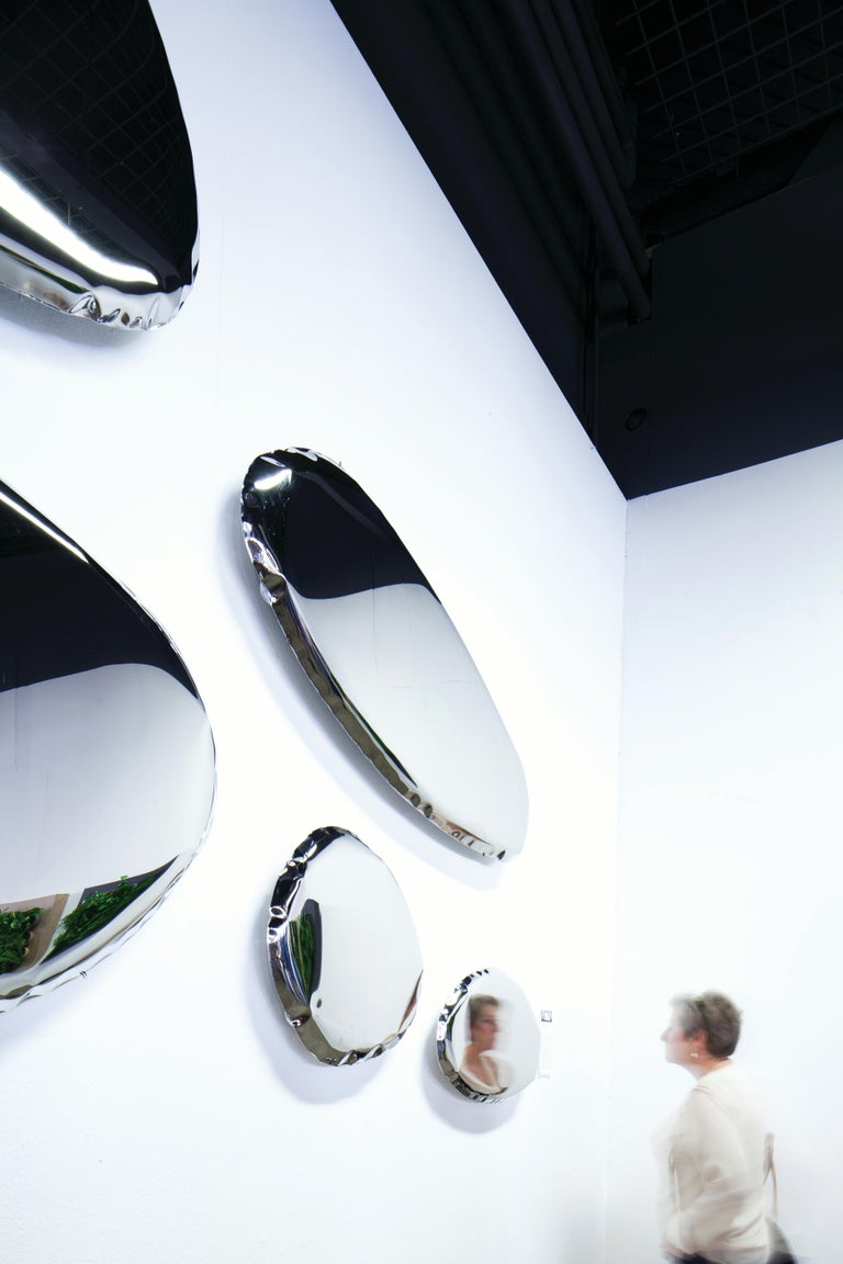 Tafla O series is characterized by smooth, optically light shapes inspired by liquid droplets and thanks to its unique form, combines the world of design, art, and technology.