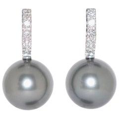 Tahiti Cultured Pearls and White Diamonds on Gold 18 Karat Chandelier Earrings
