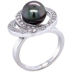 Tahiti Pearl and Diamonds on White Gold Ring 18 Karat