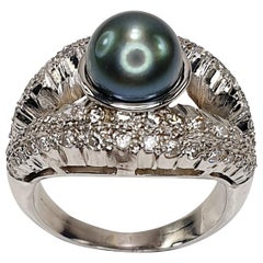 Tahiti Pearl Shell Ring in 18 Karat White Gold and Diamonds
