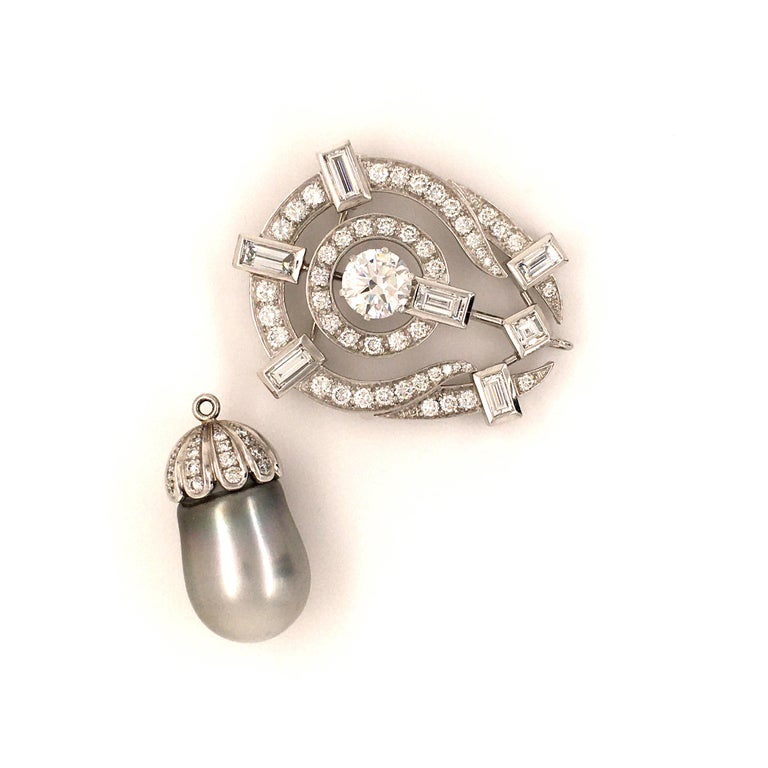 Tahitian Cultured Pearl and Diamond Pendant Brooch in Platinum For Sale 4