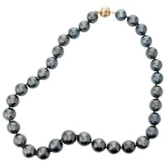 Tahitian Cultured Pearl Yellow Gold Necklace