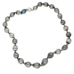 Black Tahitian Pearl Necklace Set With a 18k White Gold and Diamond Clasp