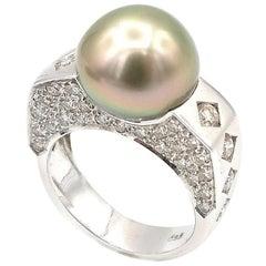 Light Green Tahitian Pearl 18K Gold Ring w/ Diamond Pavé Side Surfaces & Squares