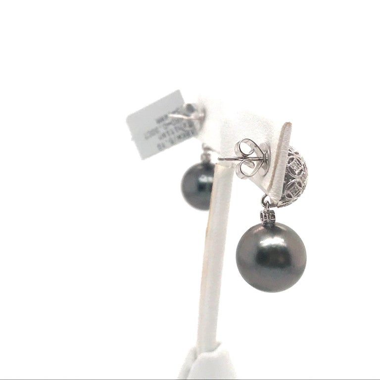 Tahitian Pearl Diamond Drop Earrings 0.30 Carat 18 Karat White Gold In New Condition For Sale In New York, NY