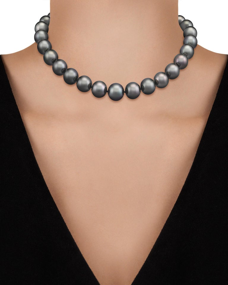 Modern Tahitian Pearl Necklace For Sale