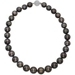Tahitian Pearl Necklace with Pavé Diamond Clasp