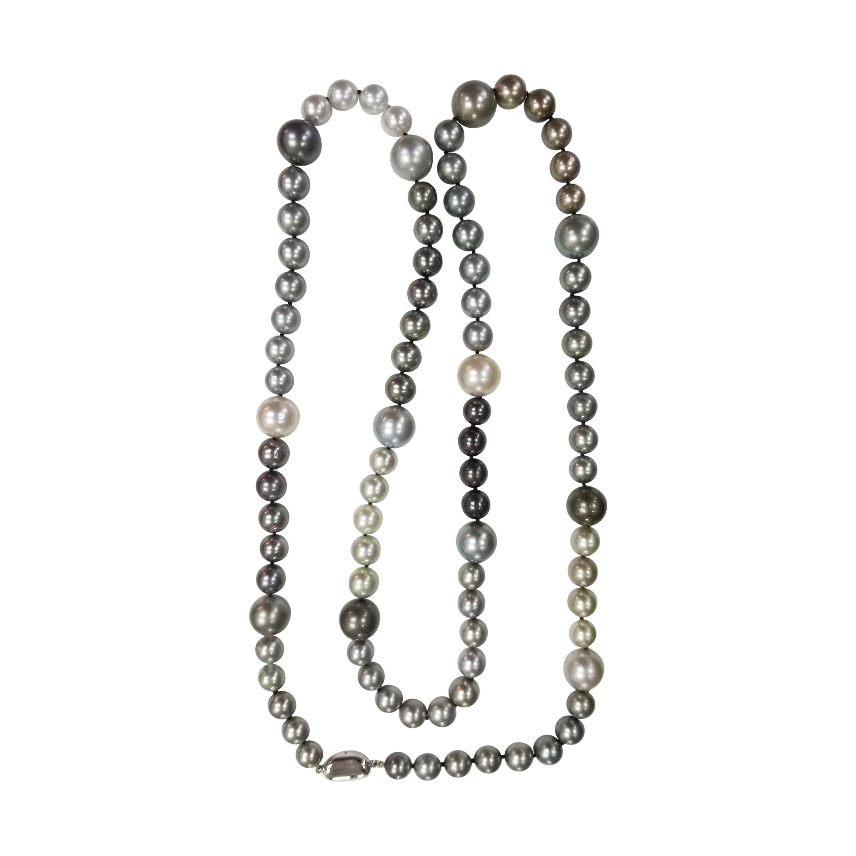 Tahitian Pearl Necklace with Pearls
