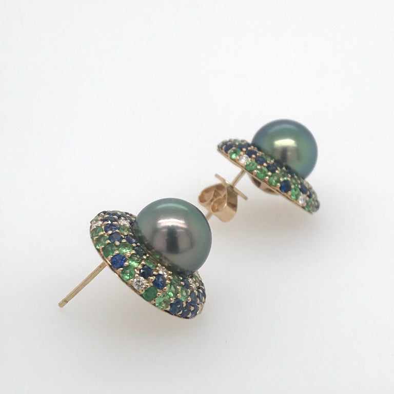 Tahitian Pearl Sapphire and Diamond Earrings 3.87 Carats 18 Karat For Sale 3