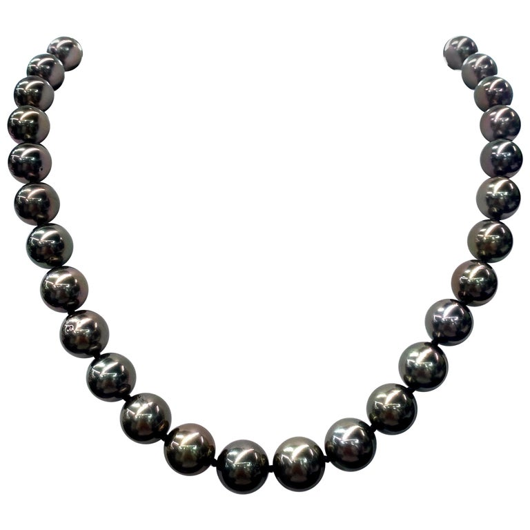 Tahitian Pearl Strand Necklace 14 Karat White Gold 10-12 MM For Sale