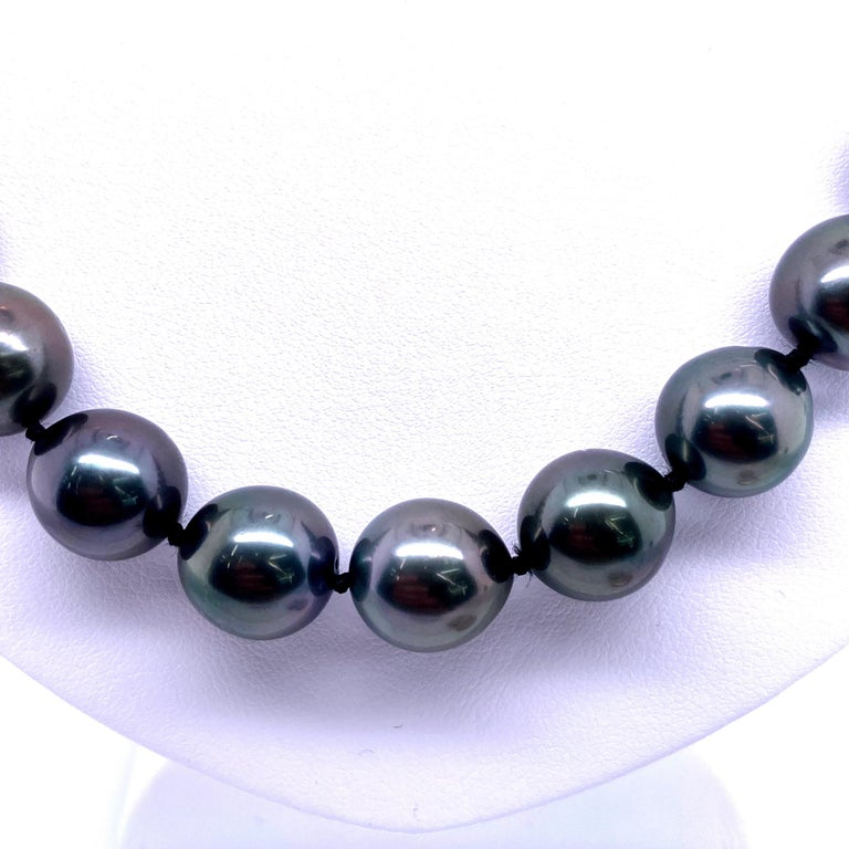 Women's Tahitian Strain Pearl Strand Necklace 14 Karat White Gold For Sale