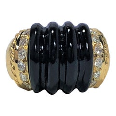 Tailored, Fluted Onyx, Gold and Diamond Ring