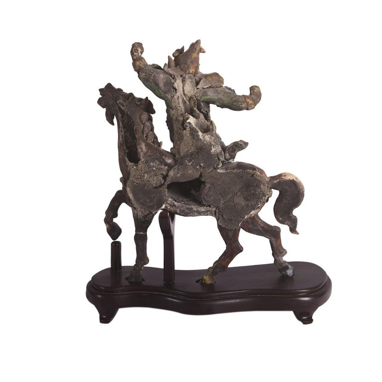 Taipei Temple Roof Ornament In Excellent Condition For Sale In Boca Raton, FL