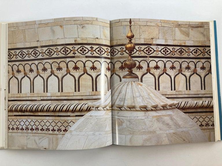 Taj Mahal Hardcover Coffee Table Book For Sale 5