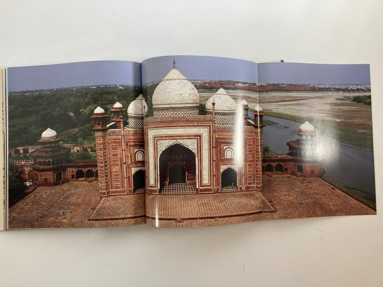 Taj Mahal Hardcover Coffee Table Book For Sale 6
