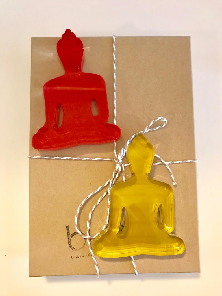Buddha Duo  - Red and Gold Buddha sculptures - Gray Figurative Sculpture by Tal Nehoray