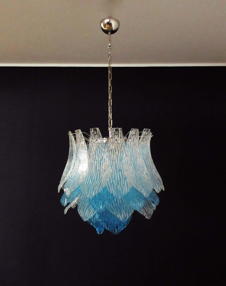 Mid-Century Modern Talian Vintage Murano Glass Chandelier, 38 Glasses, Blue and Trasparent For Sale