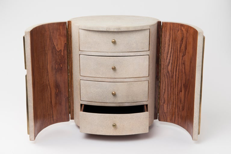 Art Deco Talisa Jewelry Chest in Cream Shagreen, Black Pen Shell & Brass by R&Y Augousti For Sale