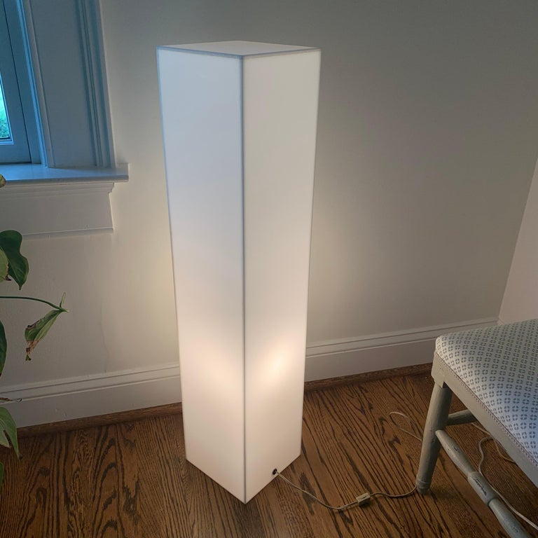 Tall 1970s Electrified White Lucite or Acrylic Pedestal Stand Display Column For Sale 4