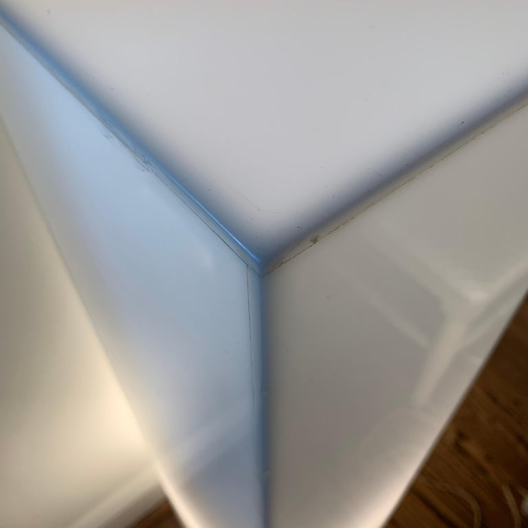Tall 1970s Electrified White Lucite or Acrylic Pedestal Stand Display Column For Sale 7