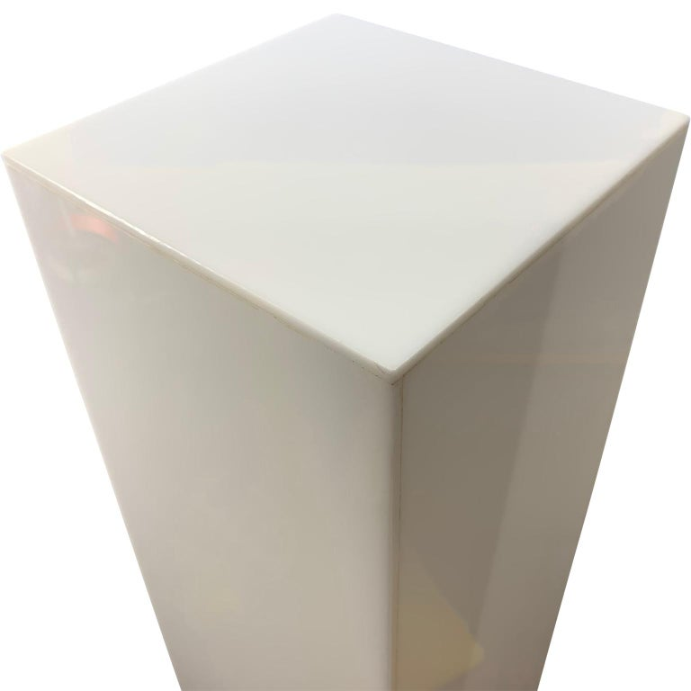 Mid-Century Modern Tall 1970s Electrified White Lucite or Acrylic Pedestal Stand Display Column For Sale