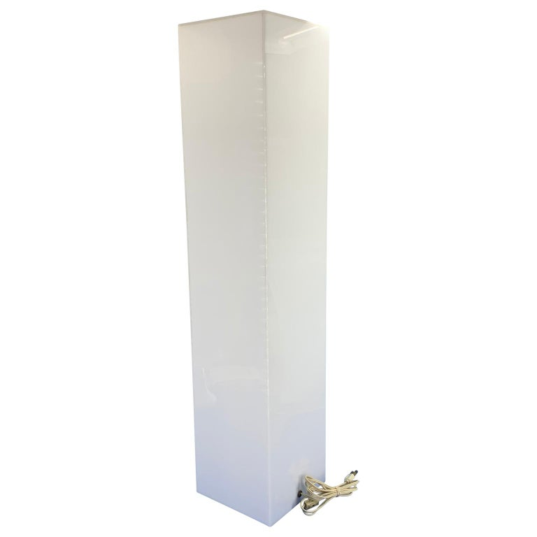 Tall 1970s Electrified White Lucite or Acrylic Pedestal Stand Display Column In Good Condition For Sale In Haddonfield, NJ