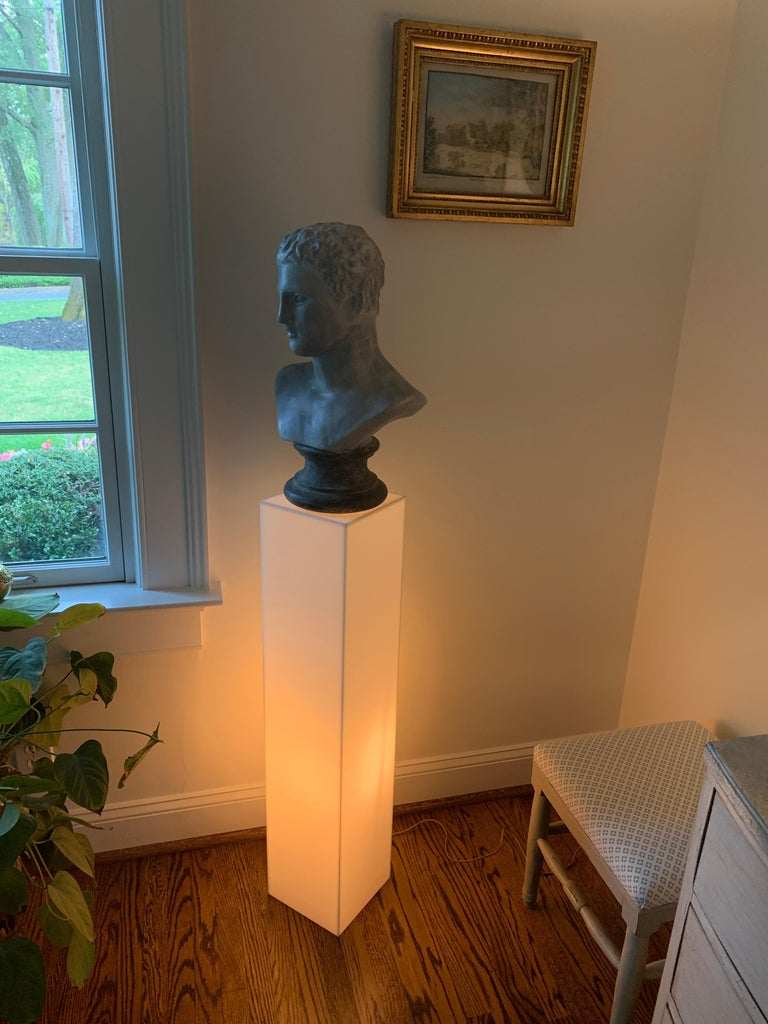20th Century Tall 1970s Electrified White Lucite or Acrylic Pedestal Stand Display Column For Sale