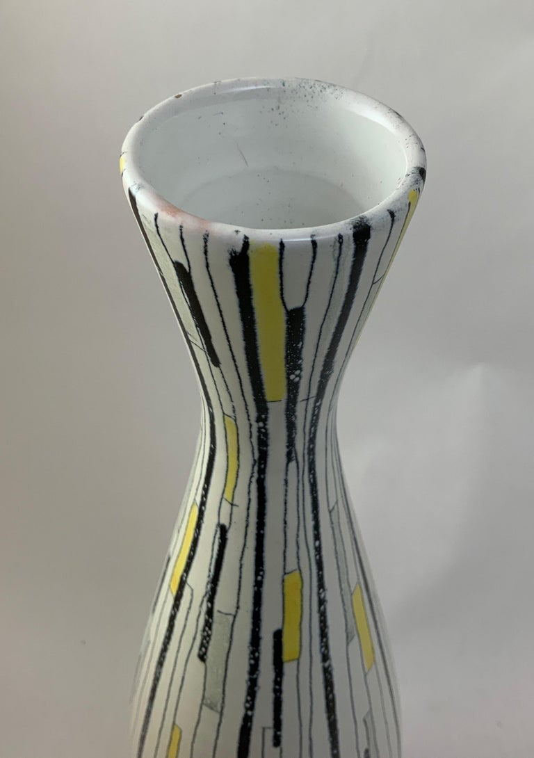 Tall Aldo Londi for Bitossi Patchwork Vase In Good Condition For Sale In Garnerville, NY
