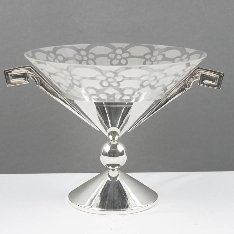 Tall Art Deco Silver Plate and Etched Glass Chalice Centerpiece Bowl In Excellent Condition For Sale In Atlanta, GA