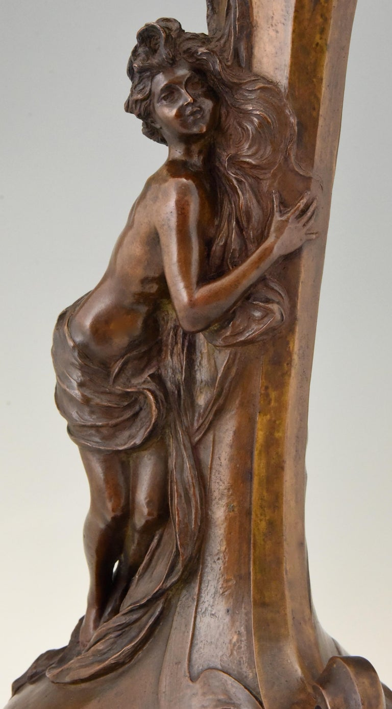 Tall Art Nouveau Bronze Vase Lady at a Fountain Lucas Madrassi, France, 1900 For Sale 4