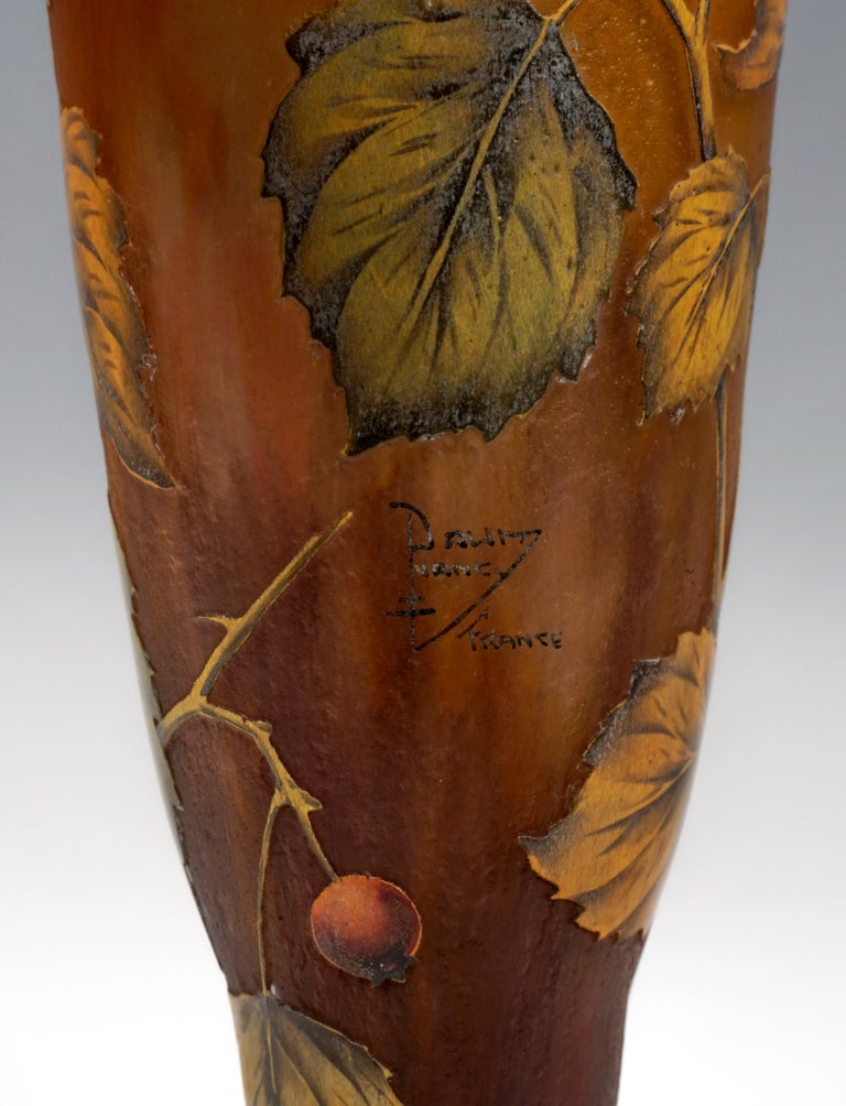 Early 20th Century Tall Art Nouveau Cameo Vase with Rose Hip Decor, Daum Nancy, France, 1910/15 For Sale