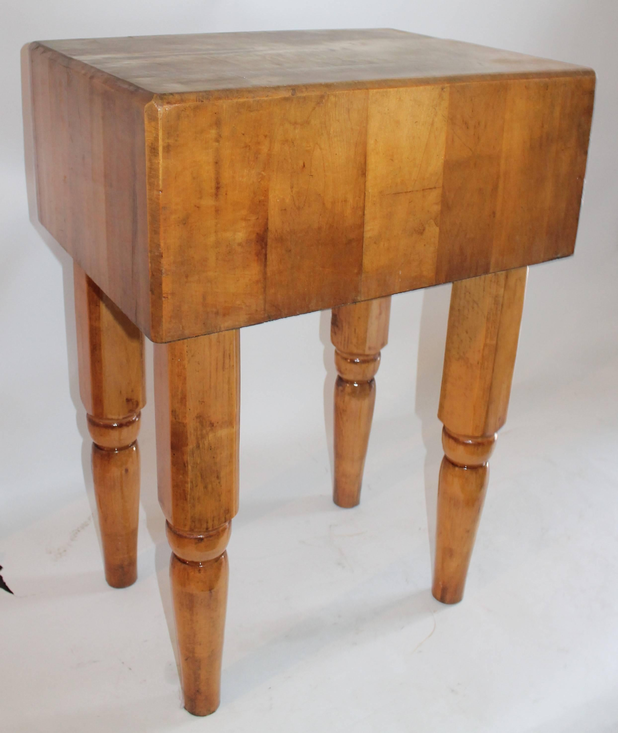 Early 20th Century Butcher Block Table In Maple And Pine. The Condition Is  Very Good