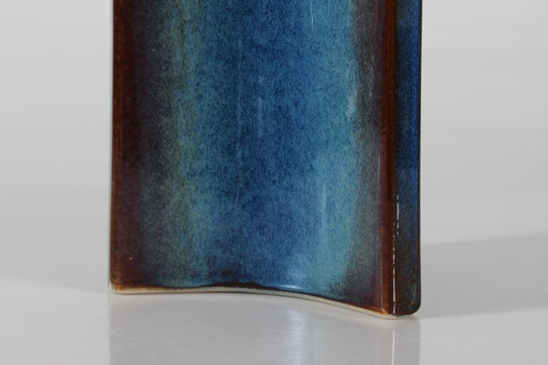 Tall Danish Sculptural Ceramic Table Lamp with Blue Glaze Made by Søholm, 1960s In Good Condition For Sale In Aarhus C, DK