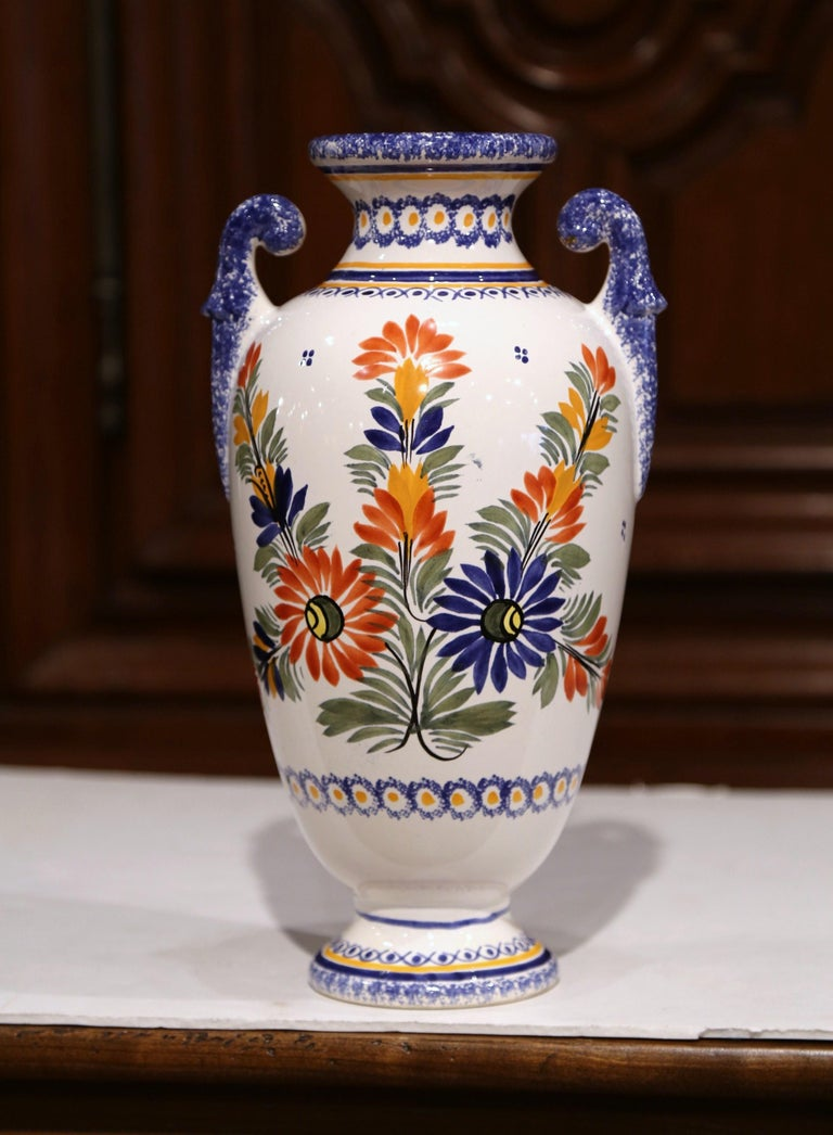 Early 20th Century French Hand-Painted Faience Vase Signed Henriot Quimper In Excellent Condition For Sale In Dallas, TX