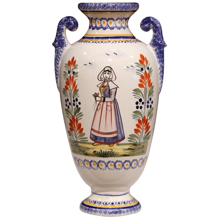 Early 20th Century French Hand-Painted Faience Vase Signed Henriot Quimper For Sale