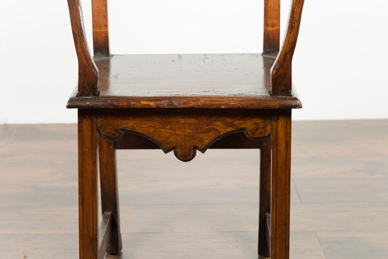 Tall English Georgian Wooden Armchair with Carved Cartouche, circa 1800-1820 For Sale 6