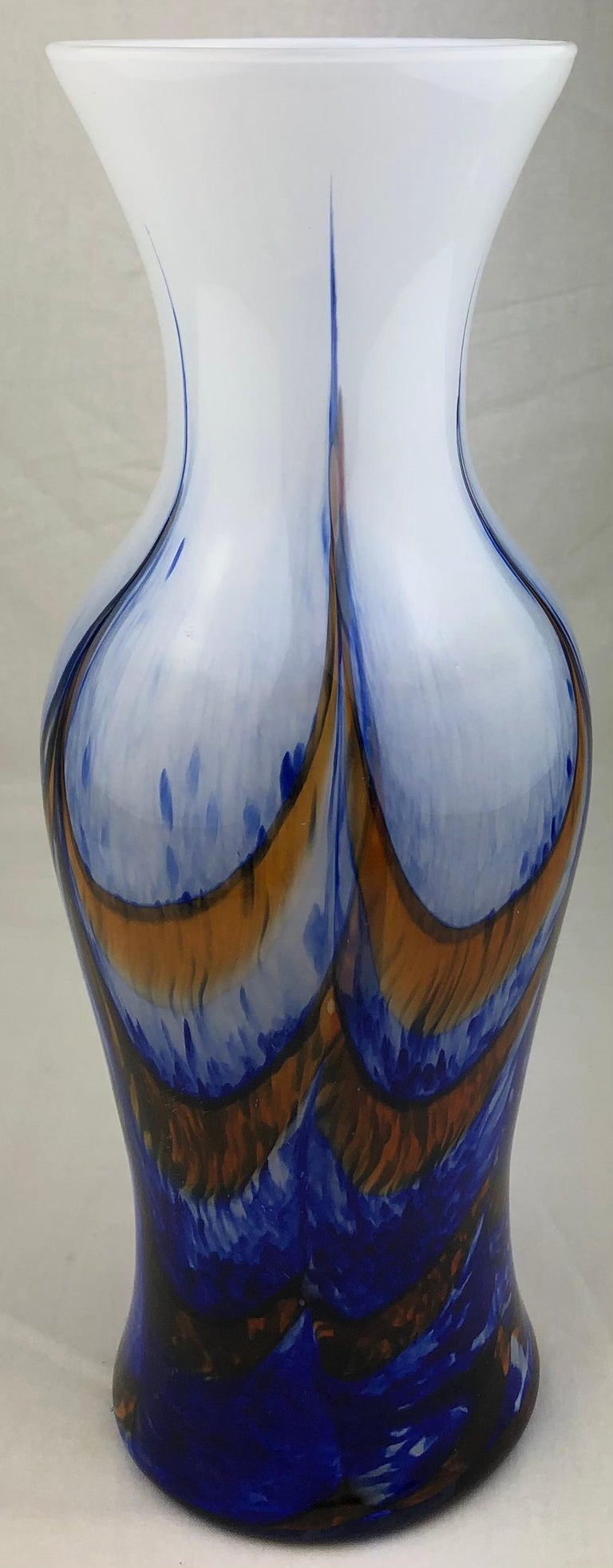 Tall French Midcentury Art Glass Vase Attributed to Schneider Glassworks In Good Condition For Sale In Arles, FR