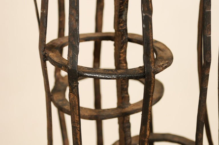 Tall French Sculptural Iron Abstract Art Piece, circa 1930s-1940s For Sale 1