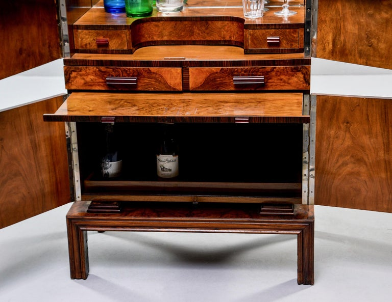 Tall Italian Art Deco Bar Cabinet with Marquetry and Mirrored Interior For Sale 11