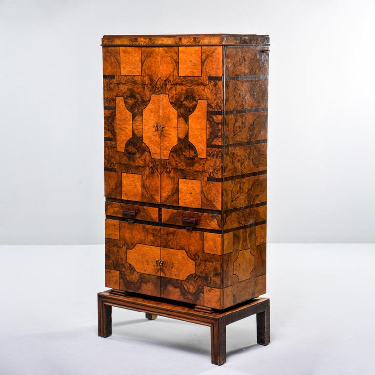 Tall Italian Art Deco Bar Cabinet with Marquetry and Mirrored Interior In Good Condition For Sale In Troy, MI