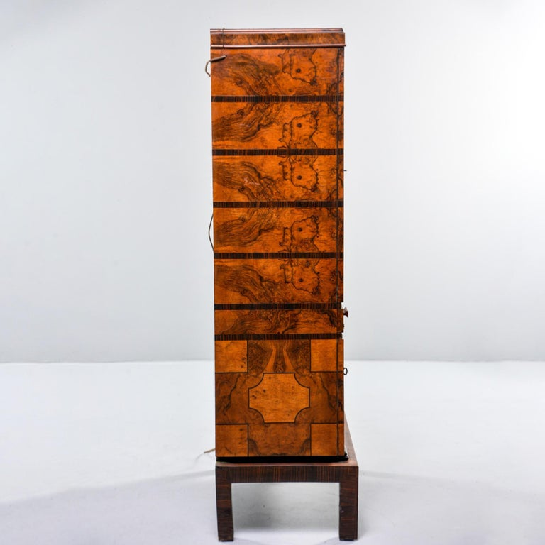 20th Century Tall Italian Art Deco Bar Cabinet with Marquetry and Mirrored Interior For Sale