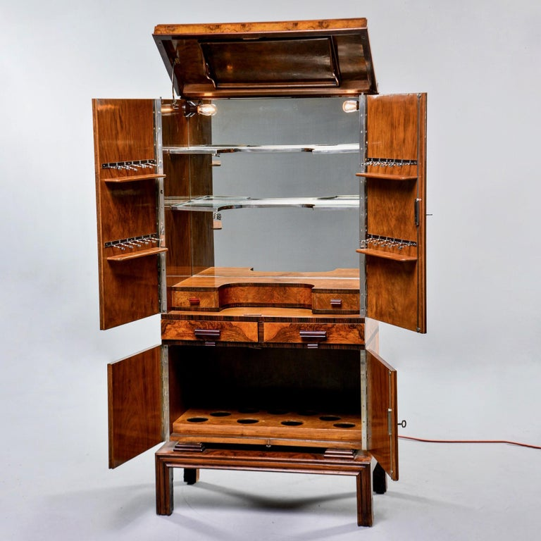 Tall Italian Art Deco Bar Cabinet with Marquetry and Mirrored Interior For Sale 1