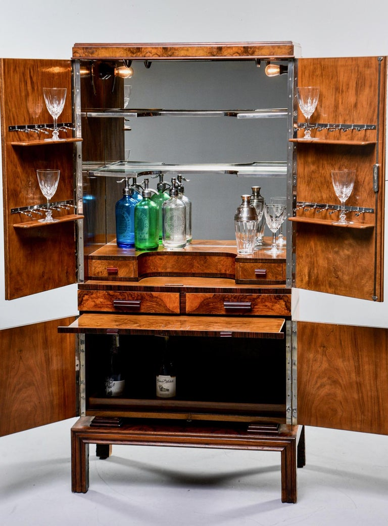 Tall Italian Art Deco Bar Cabinet with Marquetry and Mirrored Interior For Sale 4