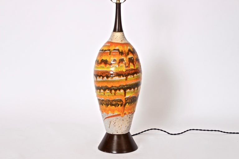 Mid-Century Modern Tall Italian Modern Magma Banded and Drip Glazed Neutral Ceramic Table Lamp For Sale