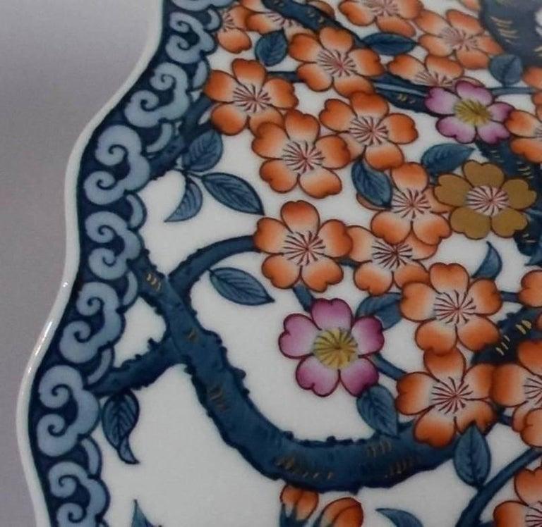 Japanese Hand-Painted Massive Imari Porcelain Vase by Master Artist For Sale 5