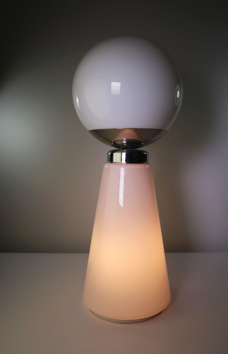 Tall Mazzega Murano Rose Cone, White Globe Glass Italian Modern Lamp, 1970s For Sale 2
