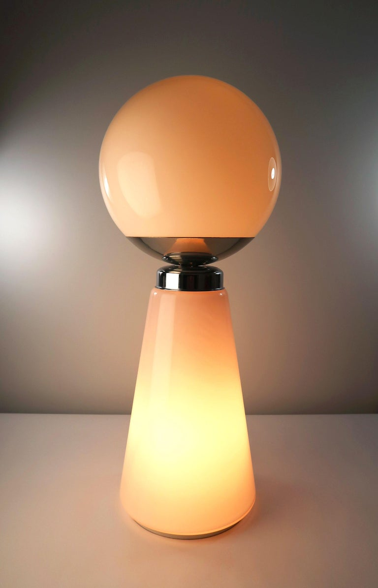 Tall Mazzega Murano Rose Cone, White Globe Glass Italian Modern Lamp, 1970s For Sale 4